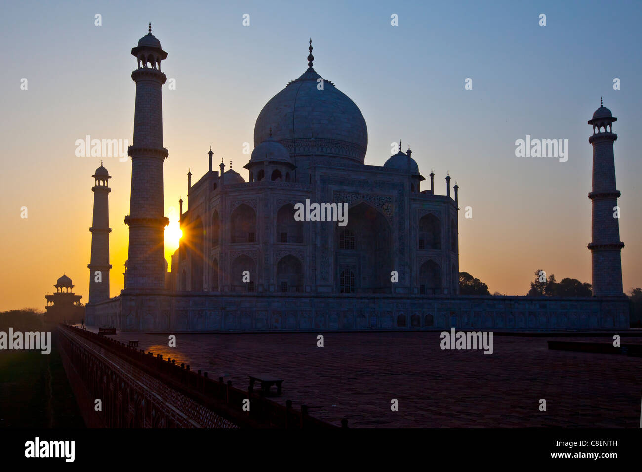 The Taj Mahal mausoleum western view (viewed from Taj Mahal Mosque) at dawn, Uttar Pradesh, India - Stock Image