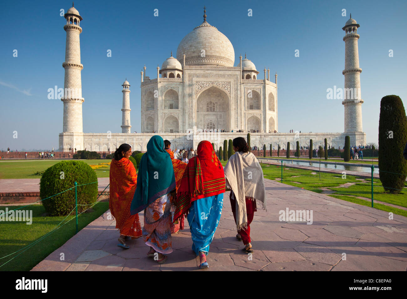 Indian tourists visiting The Taj Mahal mausoleum approach the southern view, Uttar Pradesh, India - Stock Image