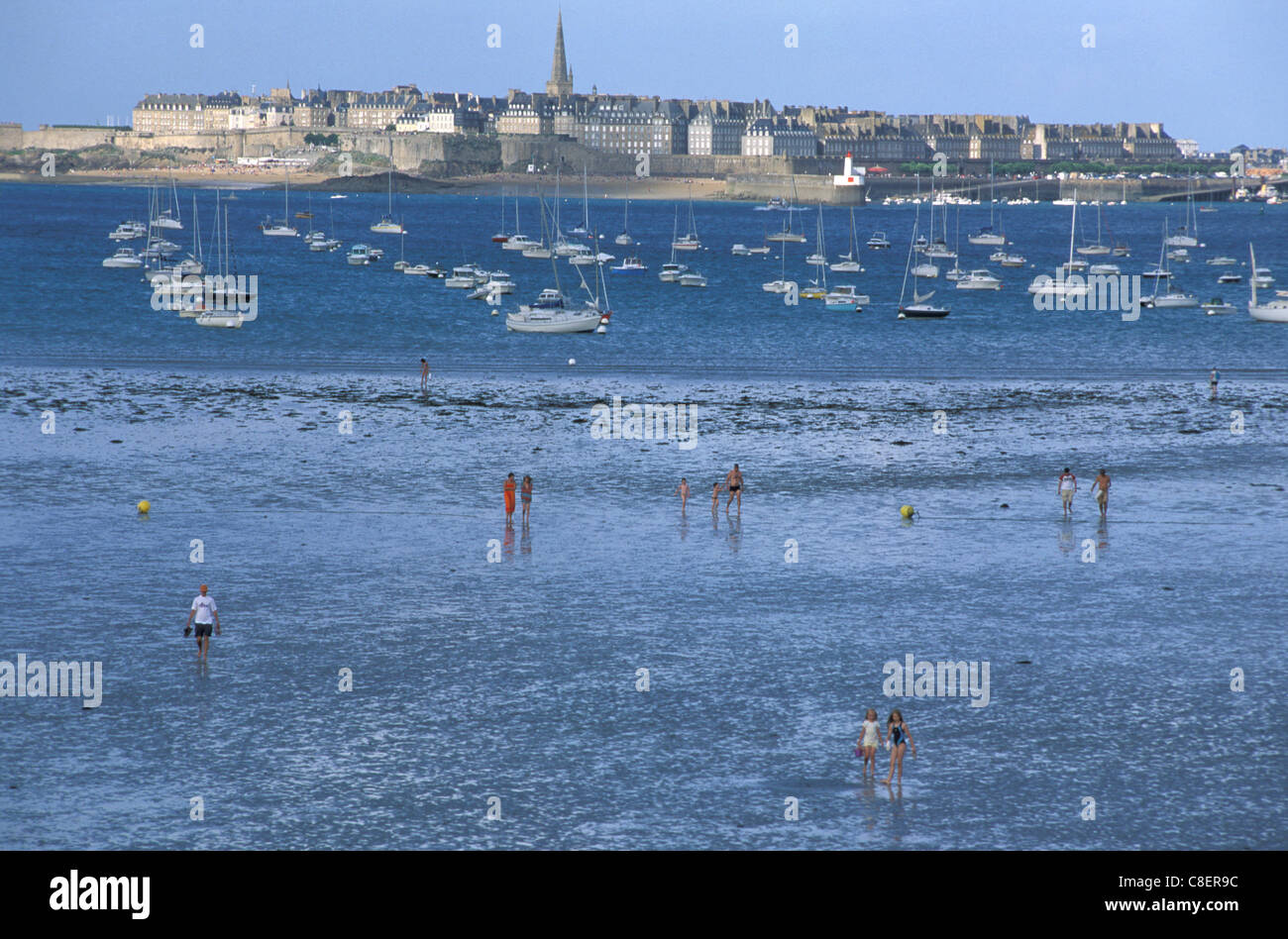 People, low tide, beach, View, from Dinard, St. Malo, Brittany, Bretagne, France, Europe, sea - Stock Image