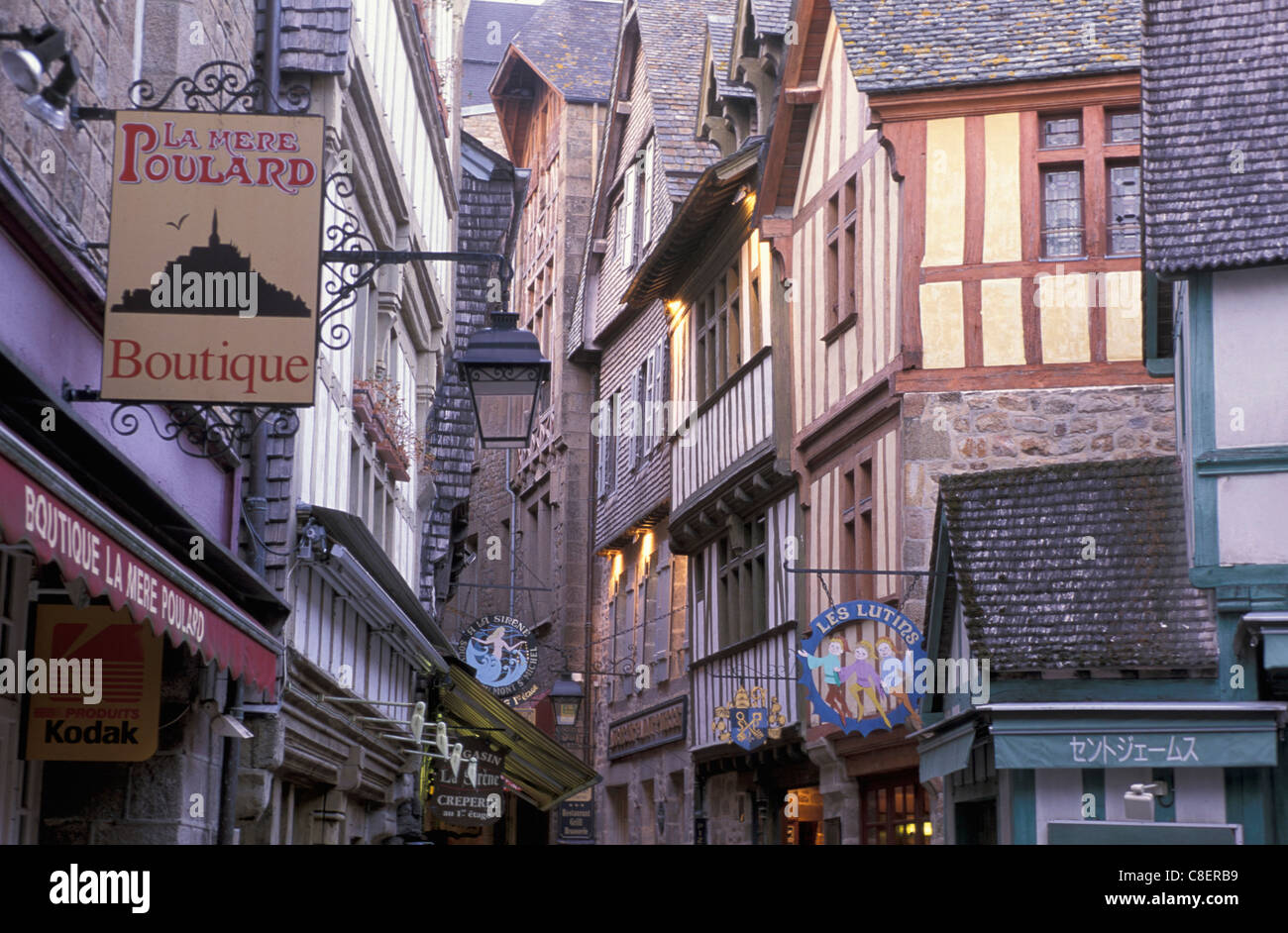 Grande rue, Mont St. Michel, Normandie, France, Europe, houses - Stock Image
