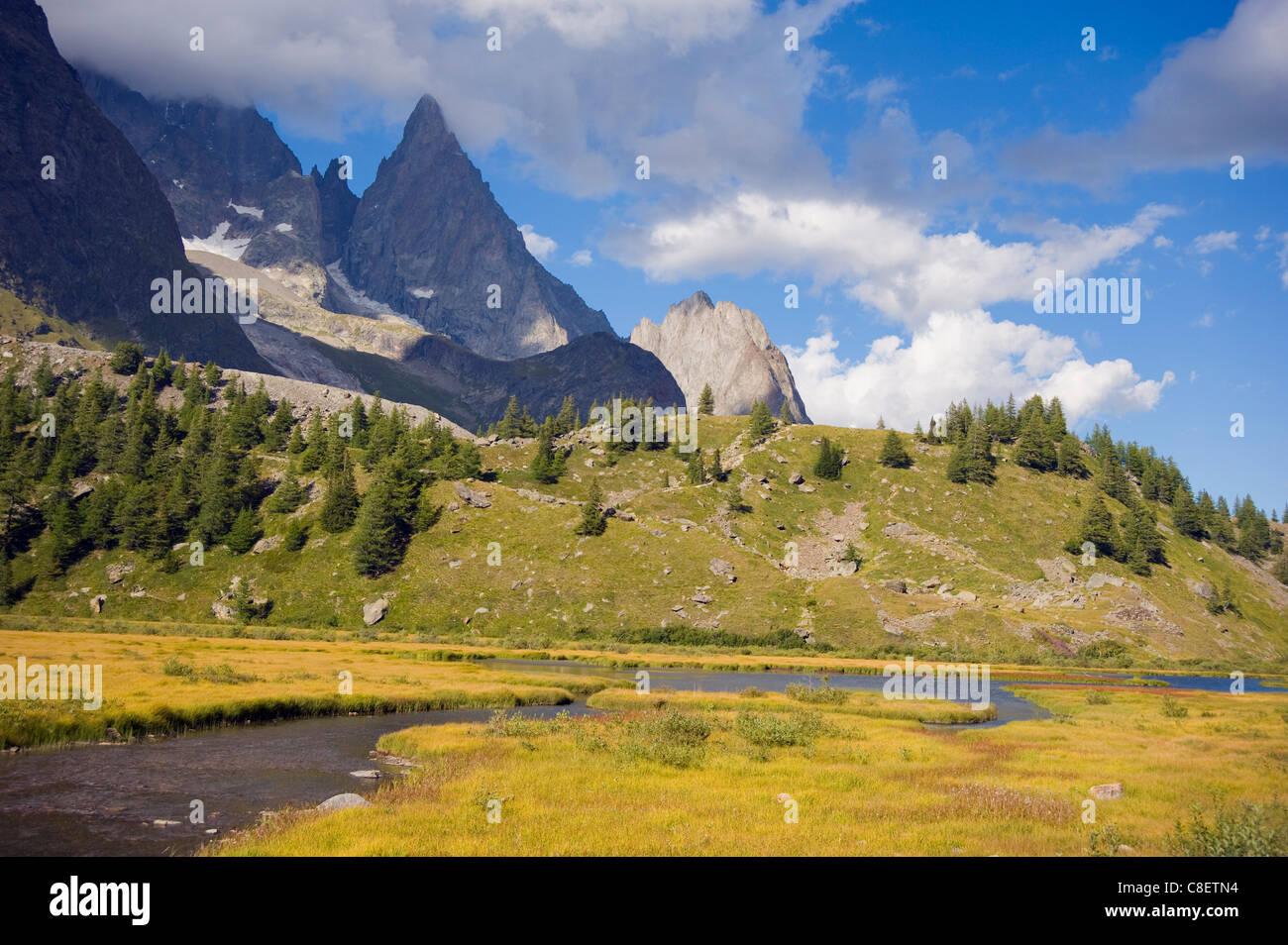 Trekking route, Tour de Mont Blanc, Val Veny, near Courmayeur, Italy - Stock Image