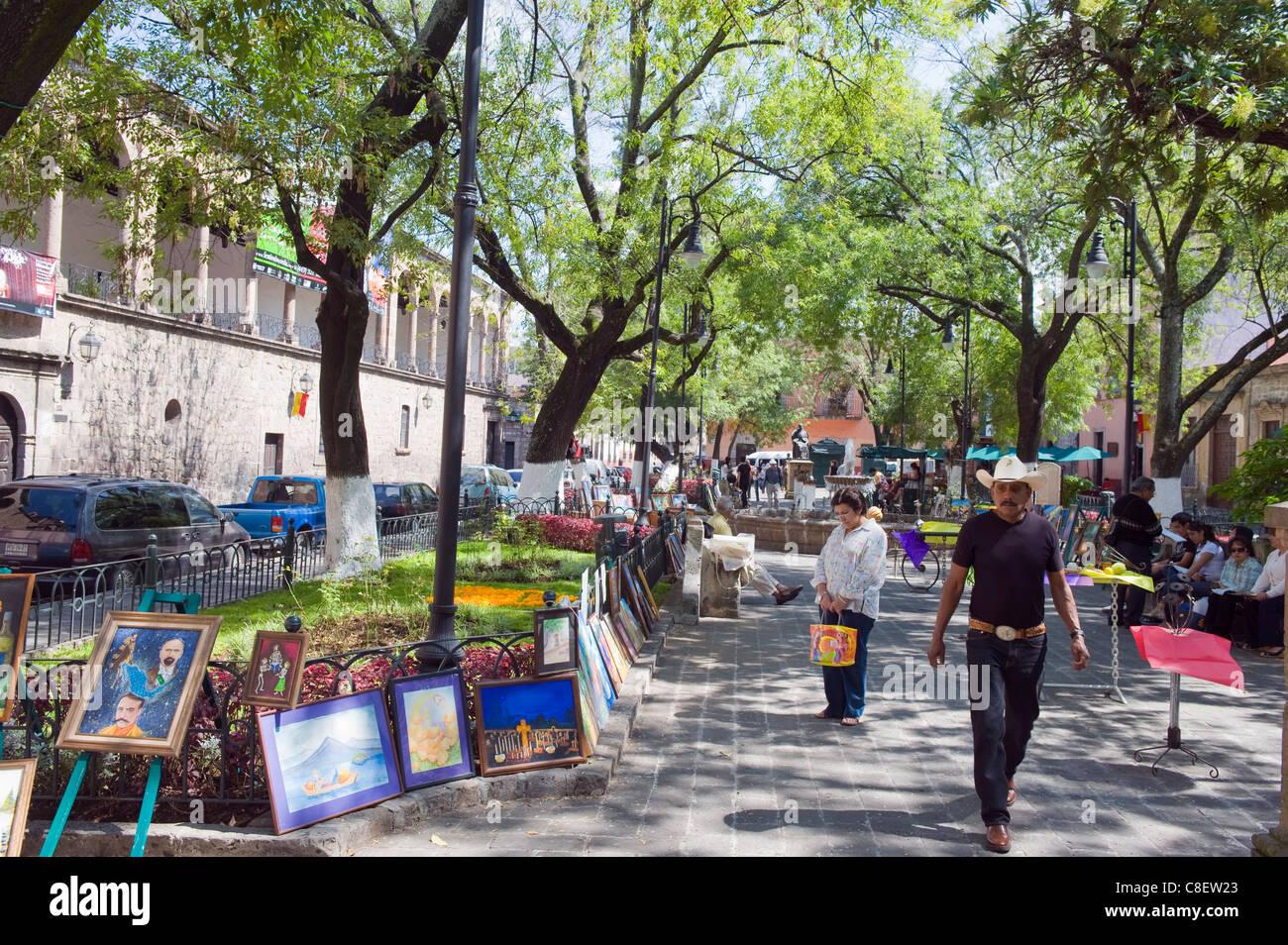 Art market in Jardin de las Rosas, Morelia, Michoacan state, Mexico - Stock Image