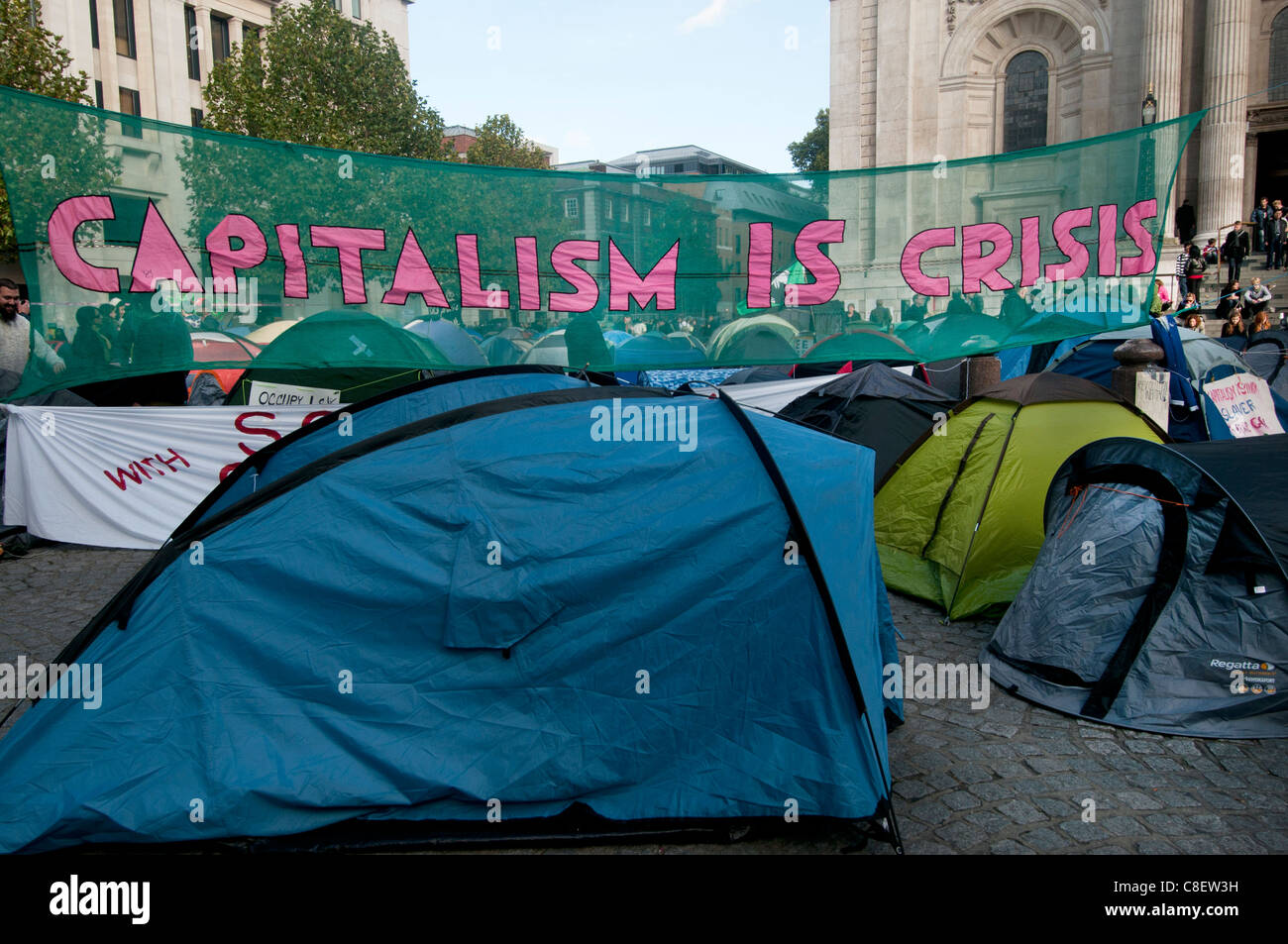 Occupy the London Stock Exchange camp in front of St Paul's to protest at economic situation - Stock Image