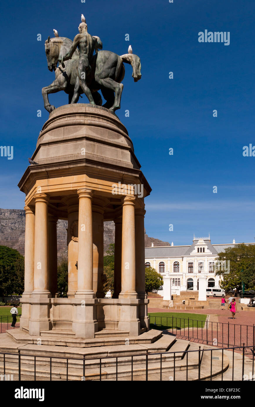Delville Wood Memorial and South African Museum. Company's Garden, Cape Town, South Africa. - Stock Image