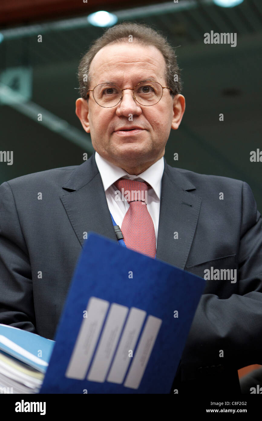21.10.2011 - Vice-President of the European Central Bank, Vitor Constancio, pictured at the Eurogroup meeting of - Stock Image