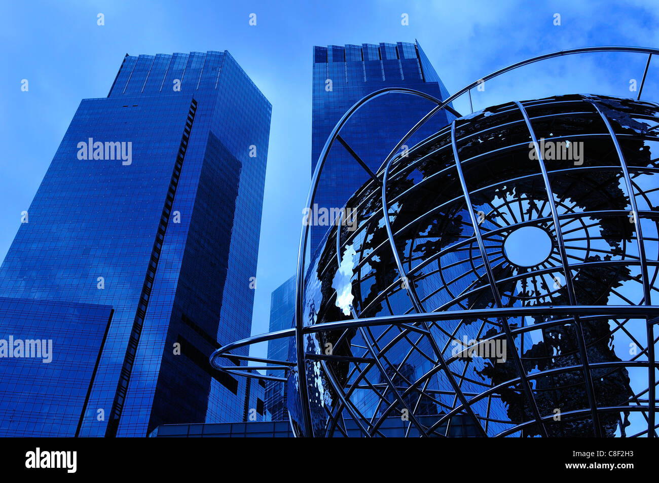 Time Warner Center, Columbus Circle, Manhattan, New York, USA, United States, America, sculpture, night - Stock Image