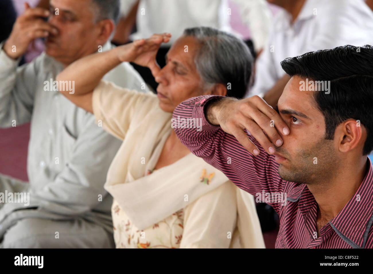 Yoga class at Patanjali Yog Vidyapith, Haridwar, India - Stock Image