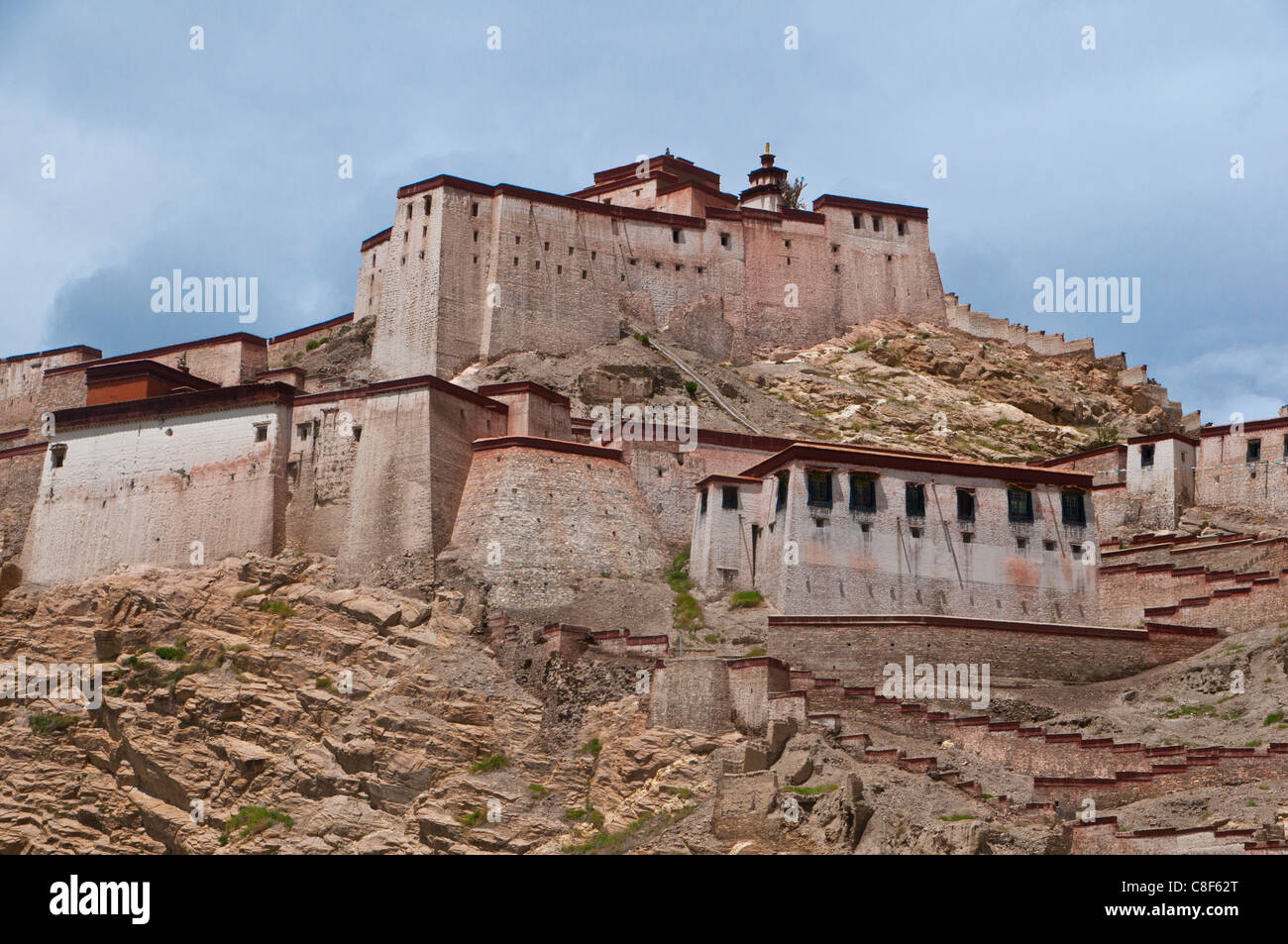 The dzong (fortress) of Gyantse, Tibet, China - Stock Image