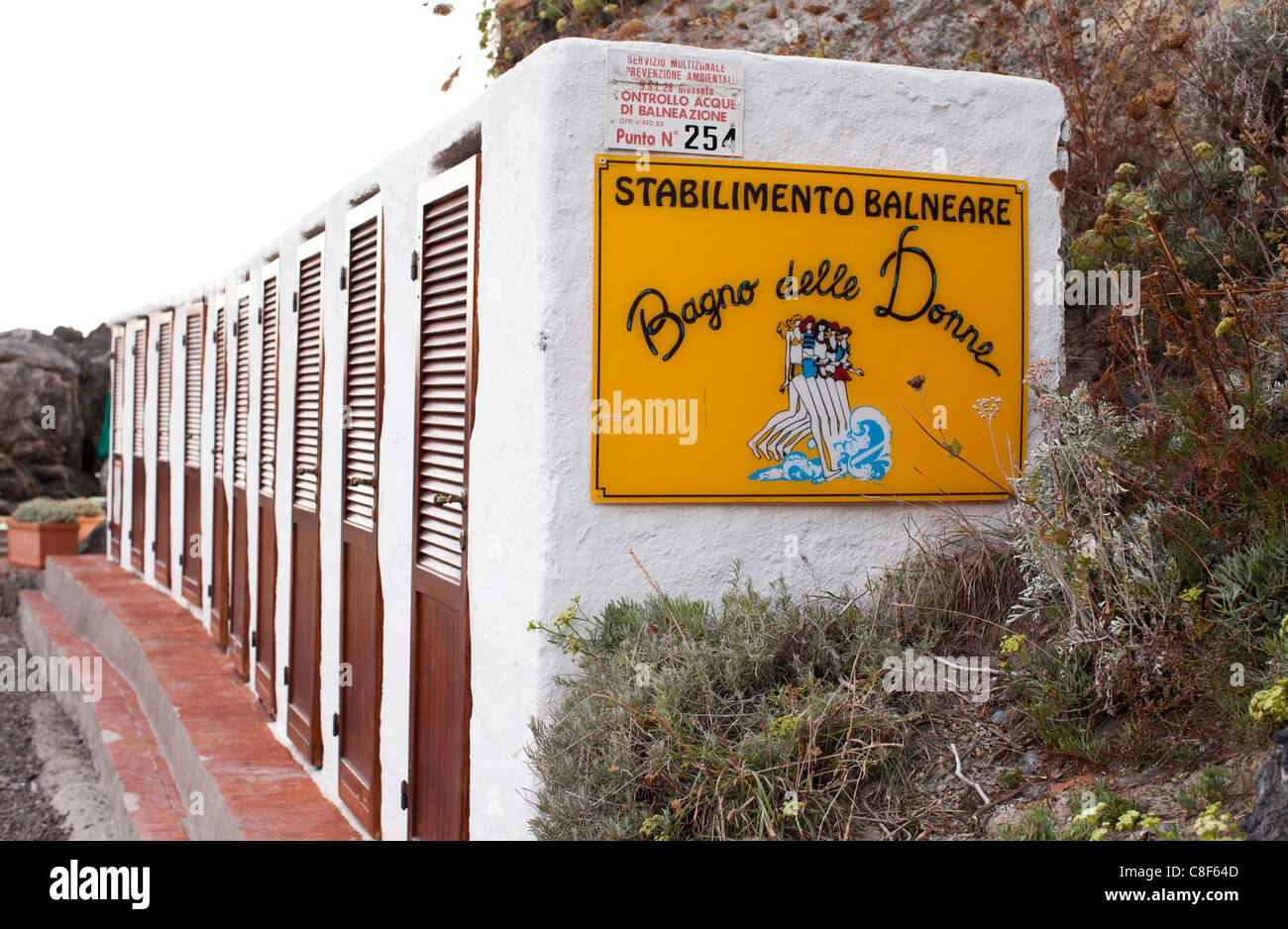 Changing facilities stock photos changing facilities stock images alamy - Bagno delle donne talamone ...
