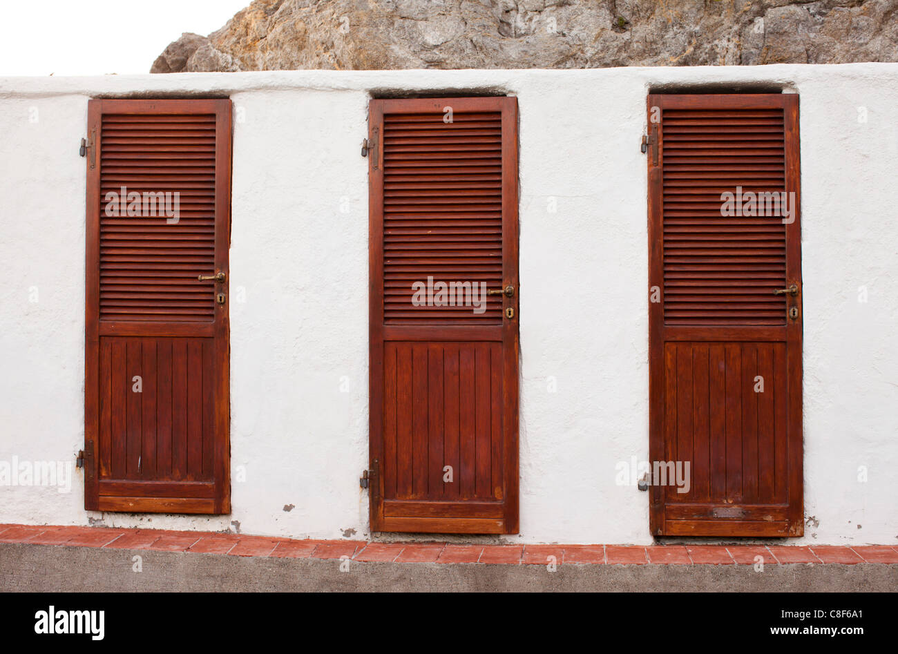 Changing huts stock photos changing huts stock images alamy - Bagno delle donne talamone ...