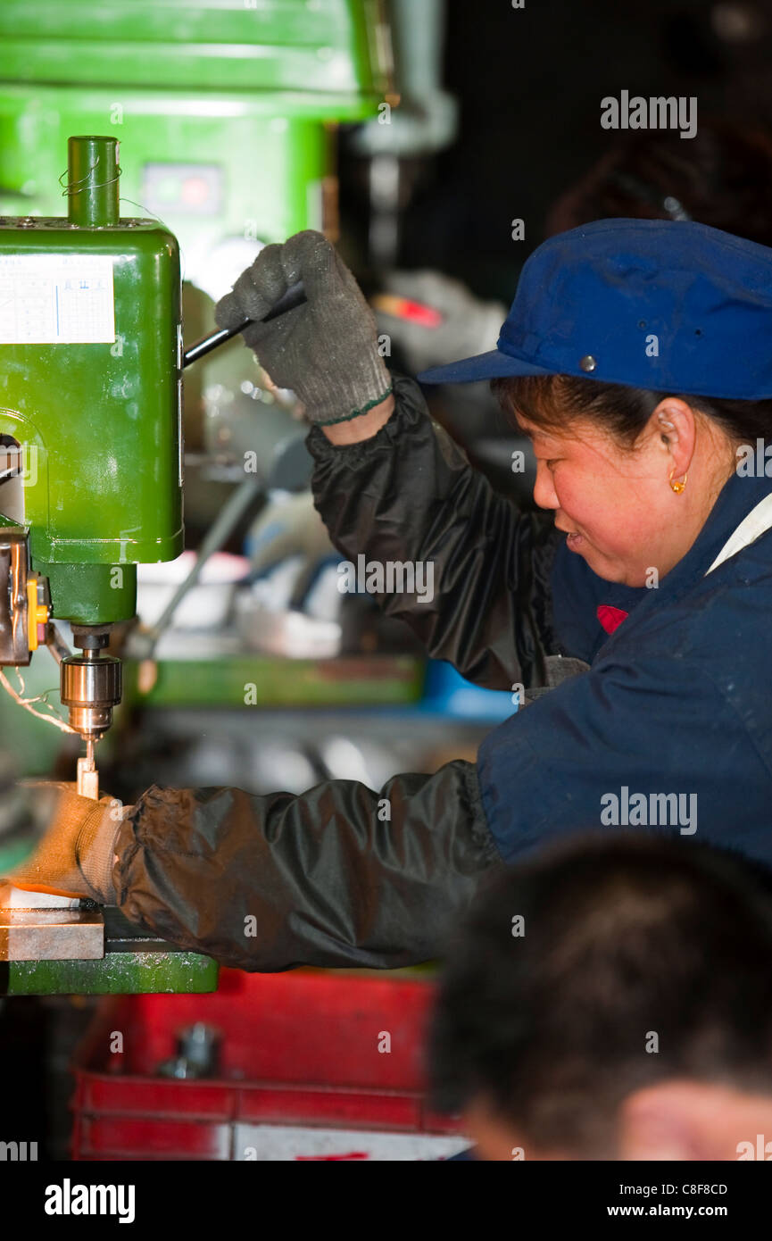 Workers, technological industry, Hebei, Province of Hebei, China - Stock Image