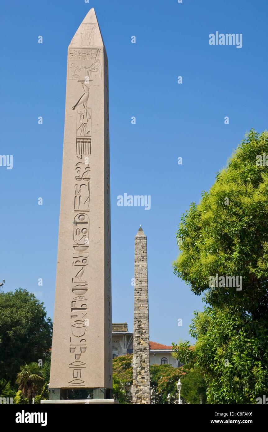 Egyptian Obelisk, Luxor and Serpentine Column, in the Hippodrome (At Meydani, Sultanahmet, Istanbul, Turkey - Stock Image