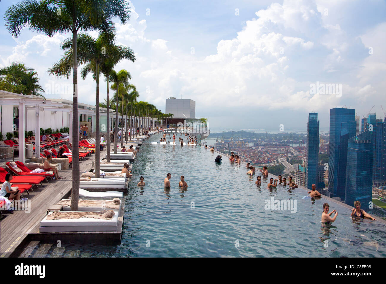 Singapore asia marina bay hotel hotel pool look - Rooftop swimming pool in singapore ...
