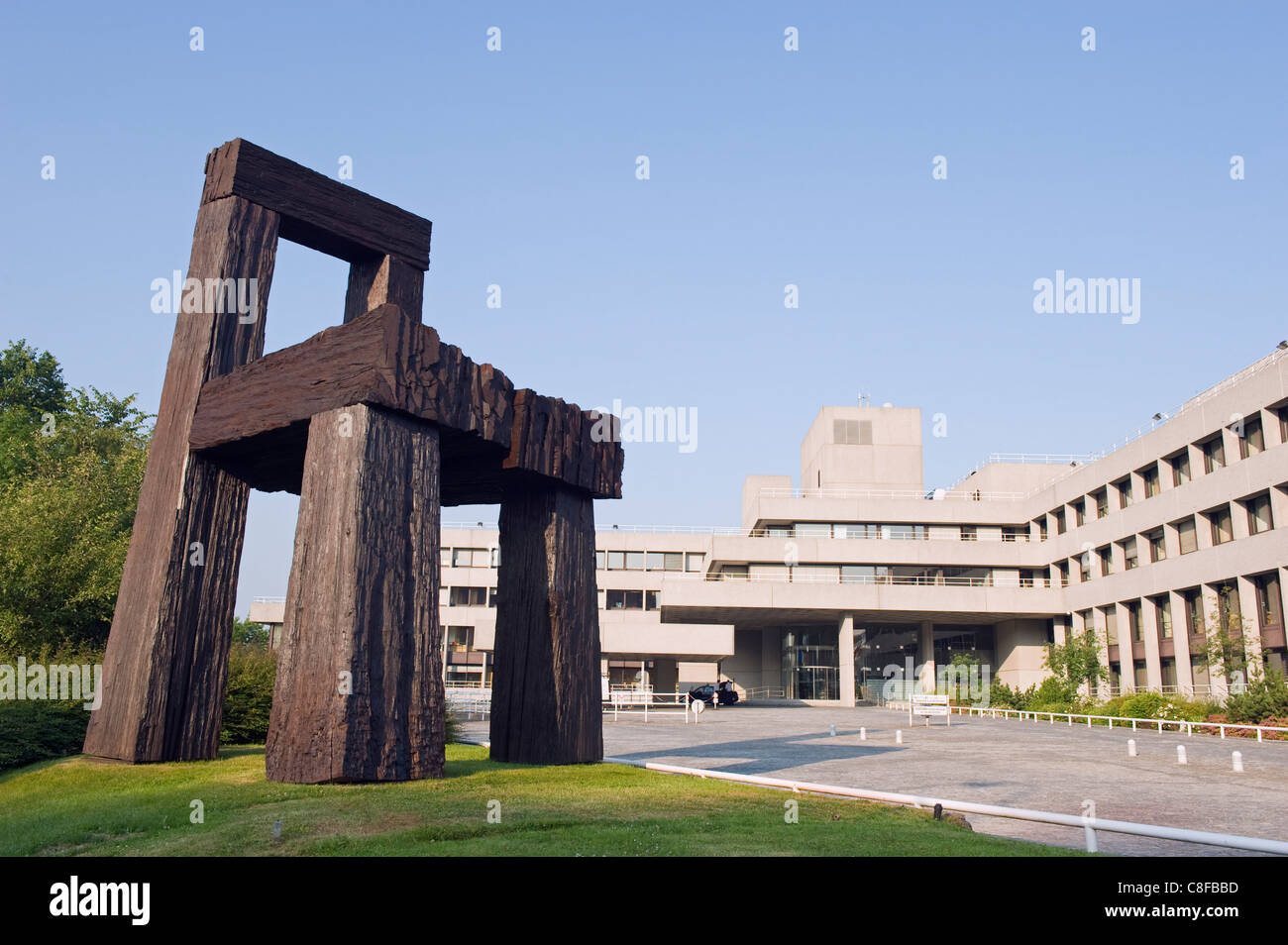 Chair art, modern architecture of the EU district on Kirchberg Plateau, Luxembourg City, Grand Duchy of Luxembourg - Stock Image