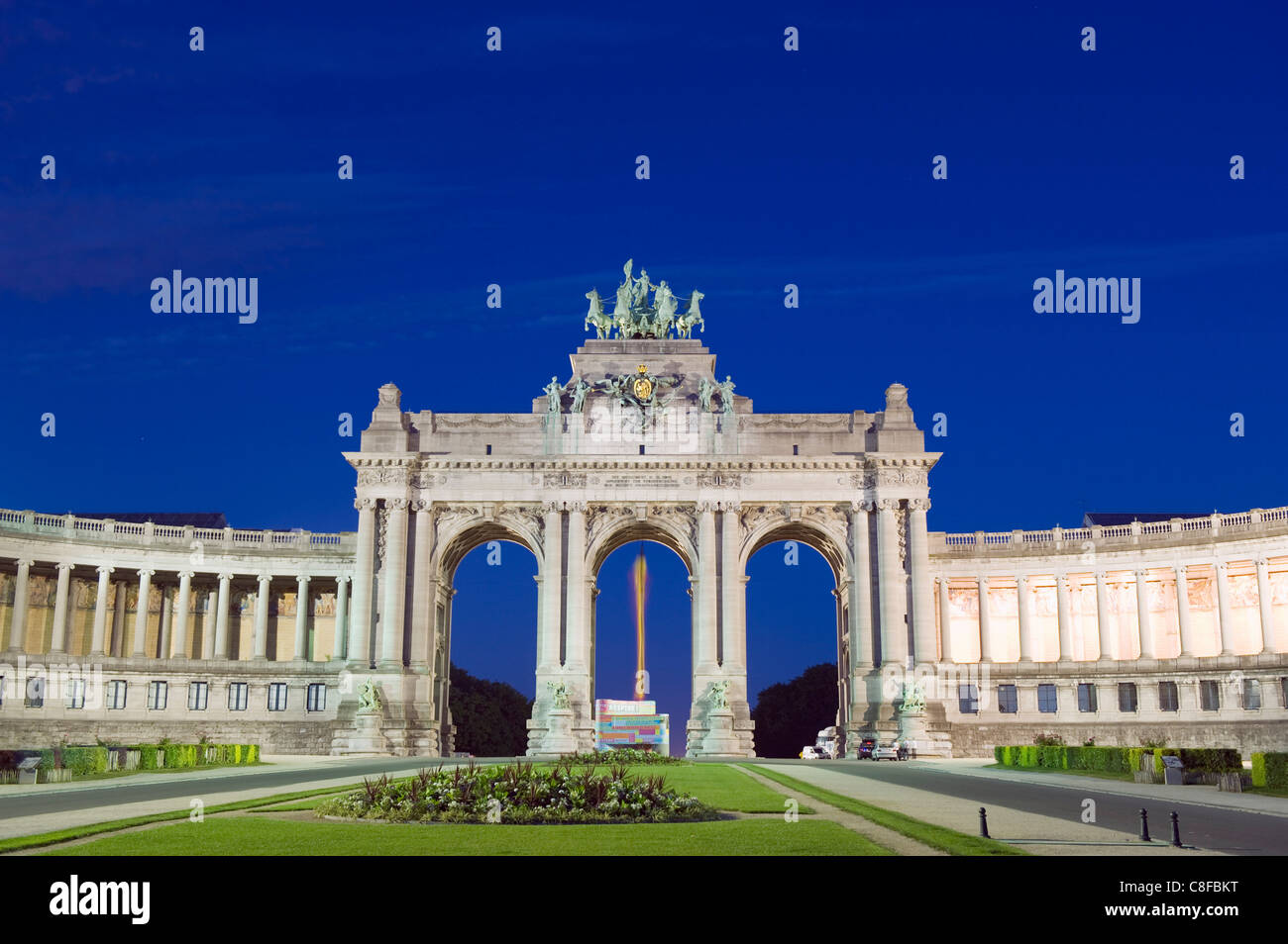 Arcade du Cinquantenaire, arch built in 1880 to celebrate 50 years of Belgian independence, Brussels, Belgium - Stock Image