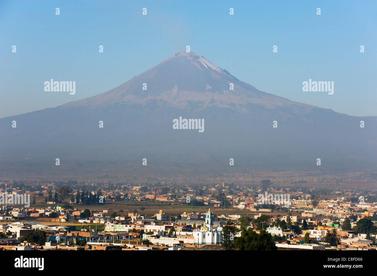 Volcan de Popocatepetl, 5452m, Cholula, Puebla state, Mexico North America - Stock Image