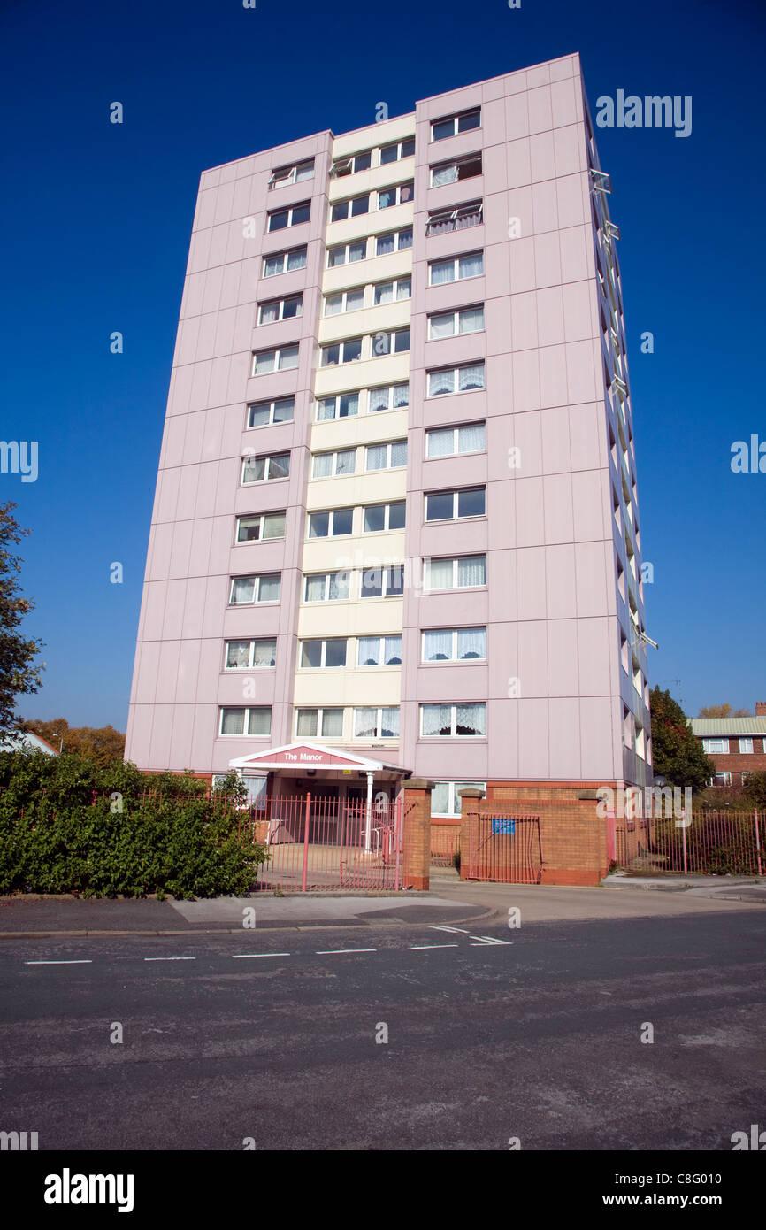 High rise inner city flats, Hessle Road, Hull, Yorkshire, England - Stock Image