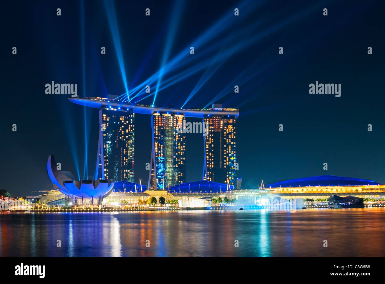Nightly light and water show, 'Wonder Full', with lasers at the Marina Bay Sands Hotel, Singapore - Stock Image