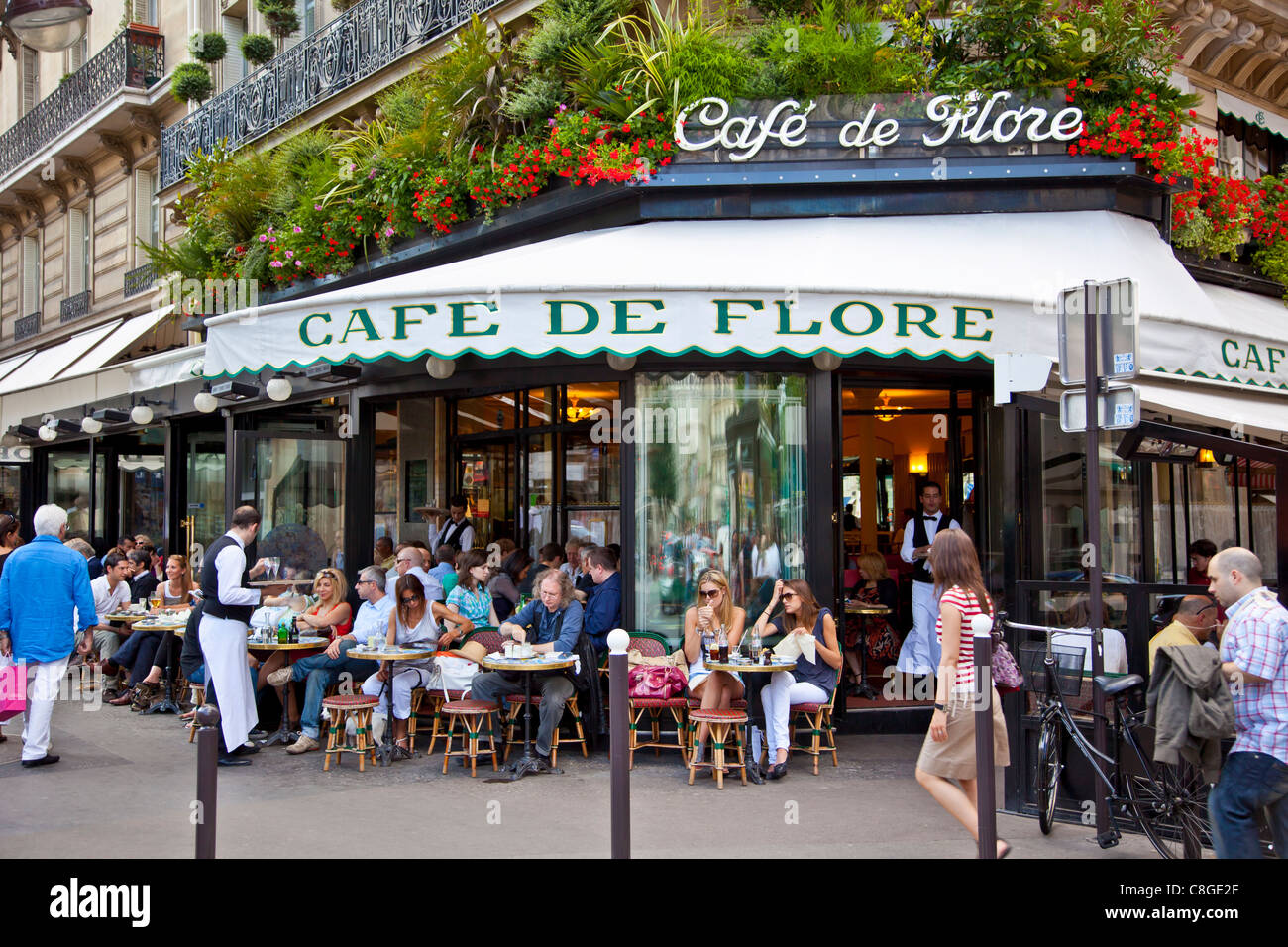 Cafe de Flore, Saint-Germain-des-Pres, Left Bank, Paris, France - Stock Image