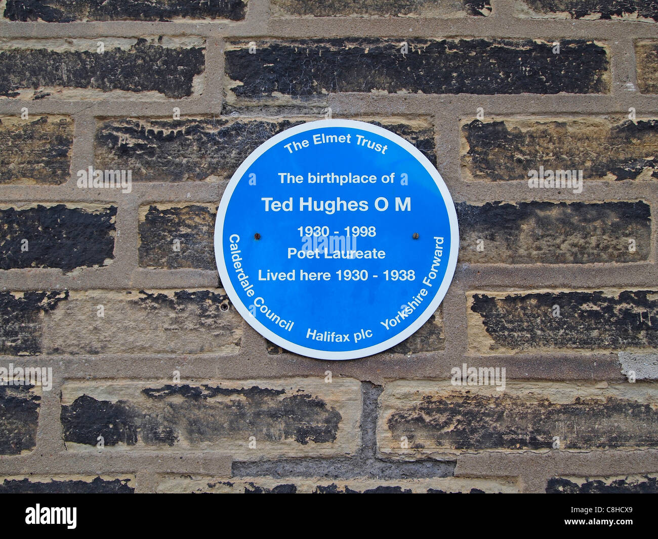 Plaque on the birthplace home of poet Ted Hughes at 1 Aspinal Street, Mytholmroyd, West Yorkshire, England - Stock Image