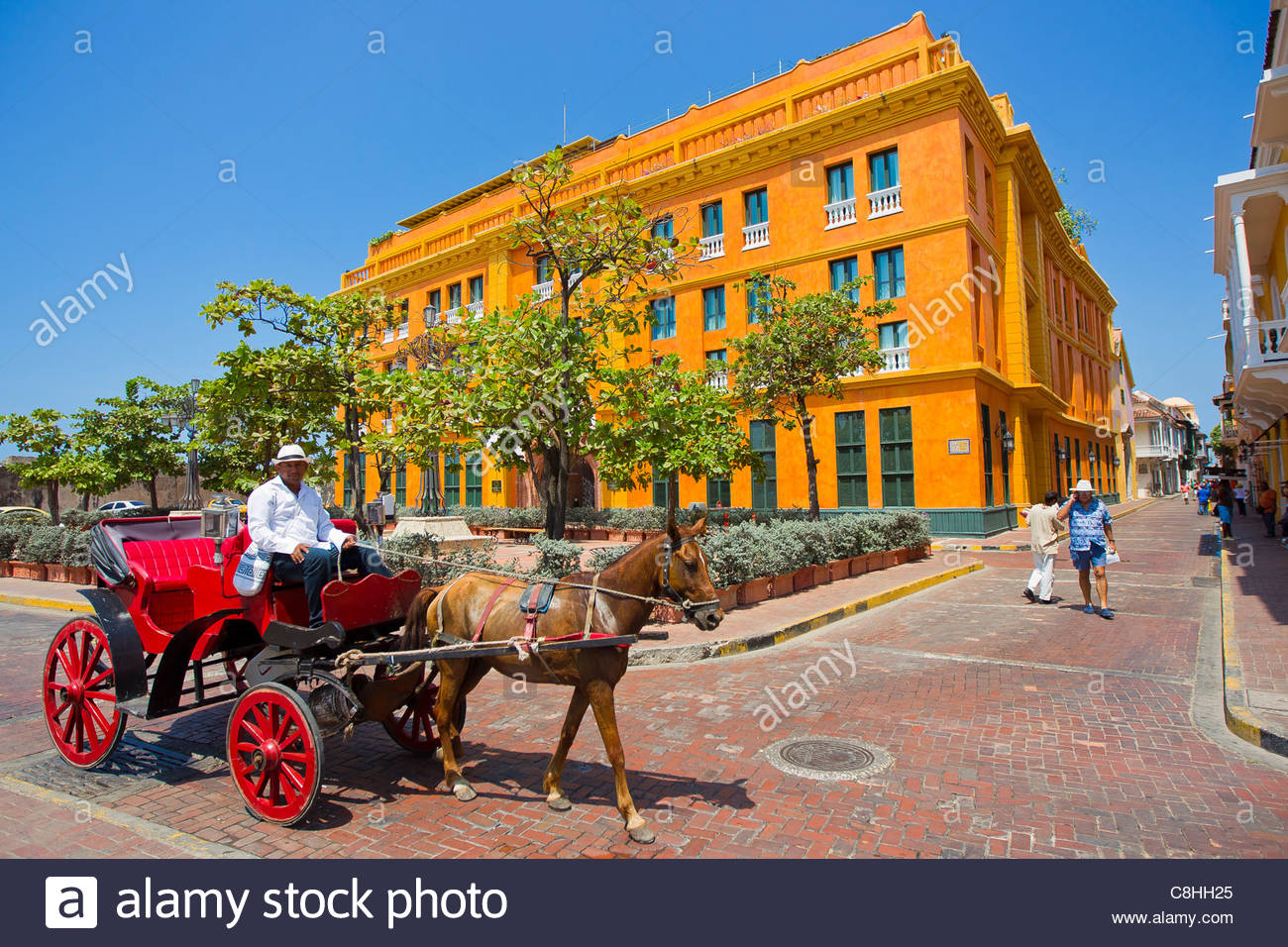 Old-fashioned horse and buggy rides in the Walled City. - Stock Image
