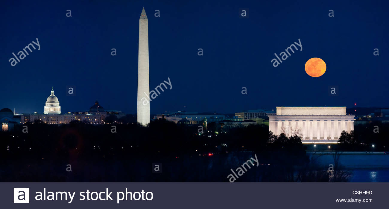 b9dc51cf846e6 Perigee Moon Stock Photos   Perigee Moon Stock Images - Alamy