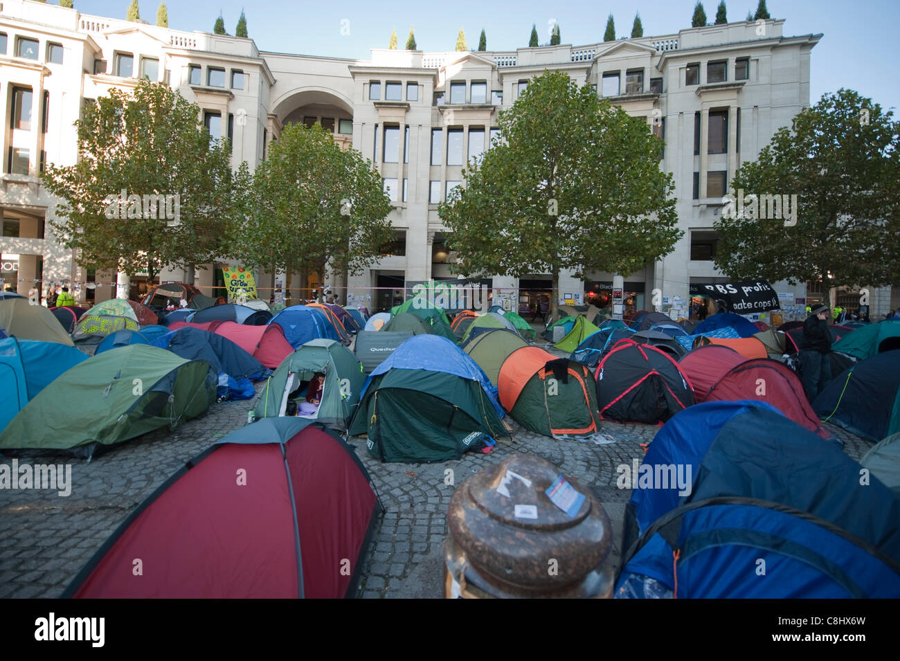 Anti capitalist protest camp outside St Paul's Cathedral in the City of London, UK, on Tuesday, 25th October, - Stock Image