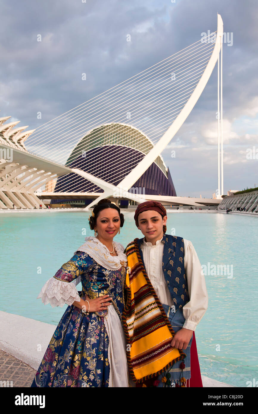 Spain, Europe, Valencia, City of Arts and Science, Calatrava, architecture, modern, Couple, traditional, outfit, - Stock Image