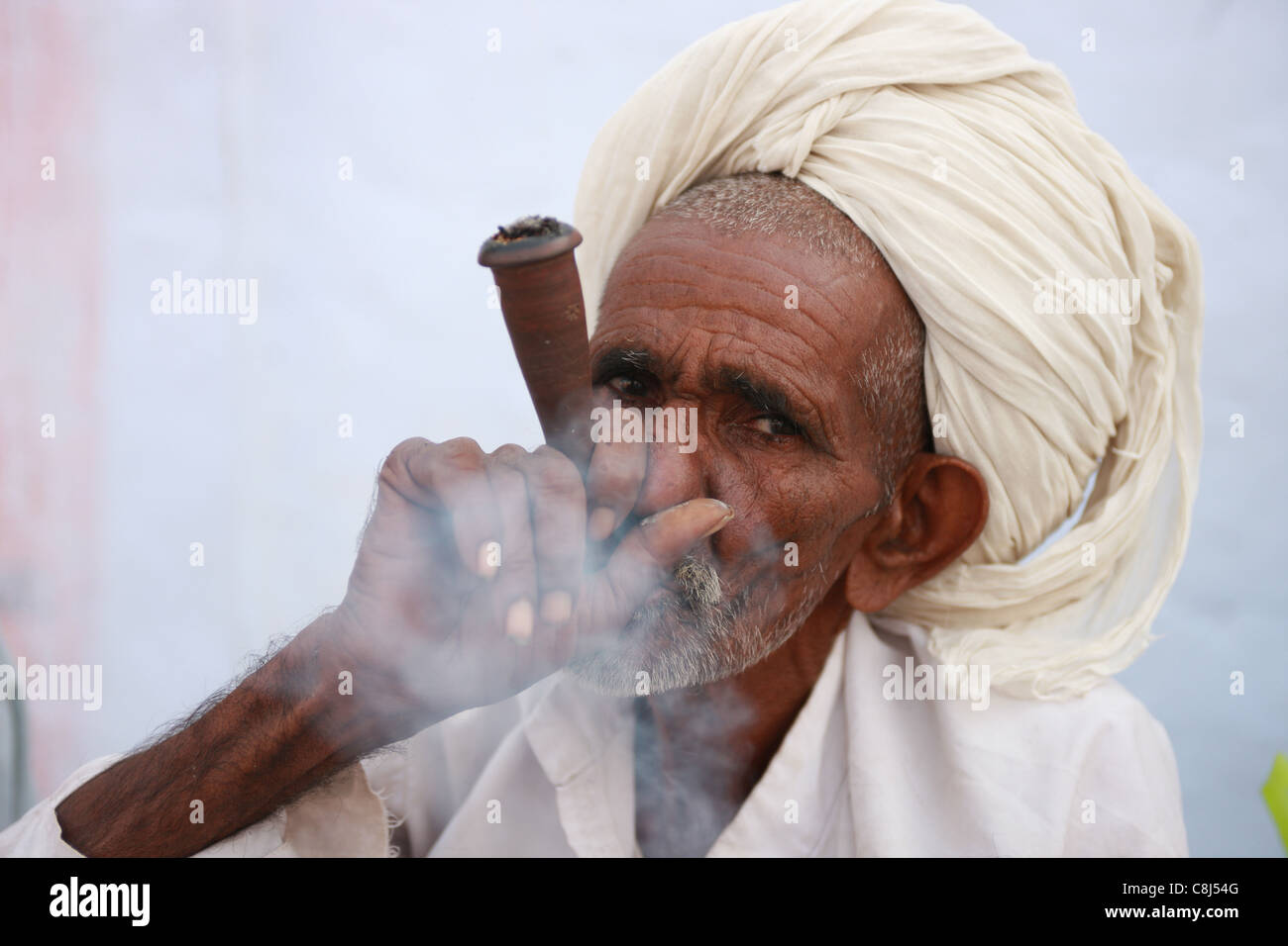 Ganja, Pushkar, Rajasthan, India, Asia, holy man, yogi, ascet, ascetic, ashram, pilgrim, ashes, turban, flower, - Stock Image