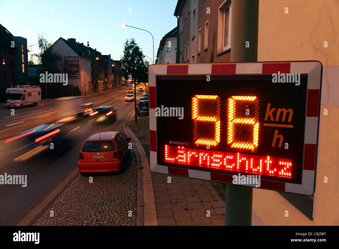 speed limit in km stock photos speed limit in km stock images alamy. Black Bedroom Furniture Sets. Home Design Ideas