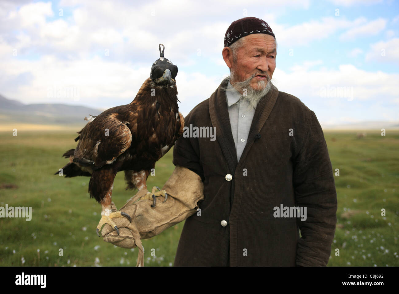 eagle hunter, bertutchy, Mongolia, Bayan Ulgii, Aimag, hunting, tradition, traditional, Kazakh, Western Mongolia, Stock Photo