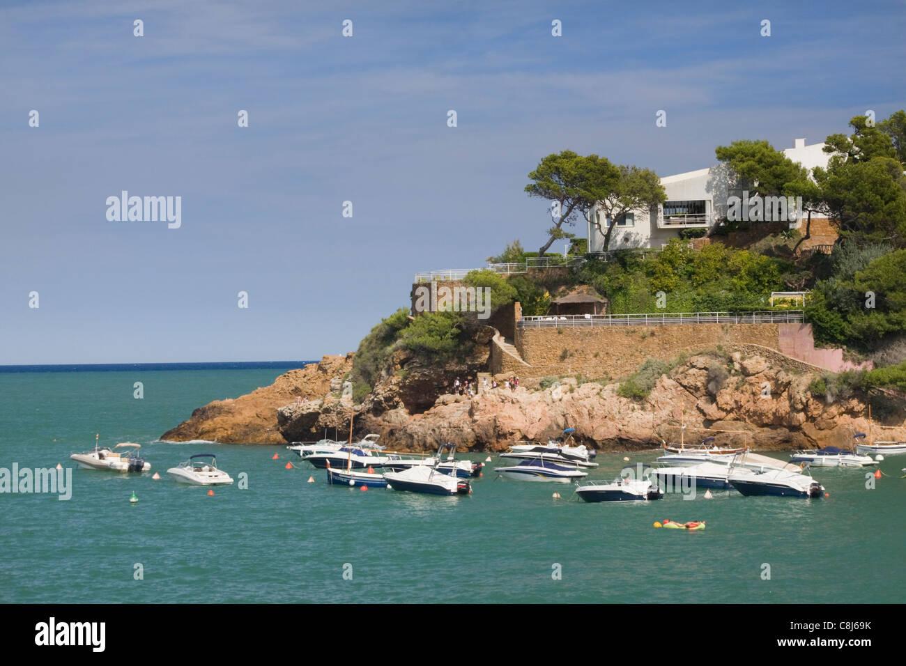 Luxury villa at Sa Riera, Costa Brava, Catalonia, Spain - Stock Image