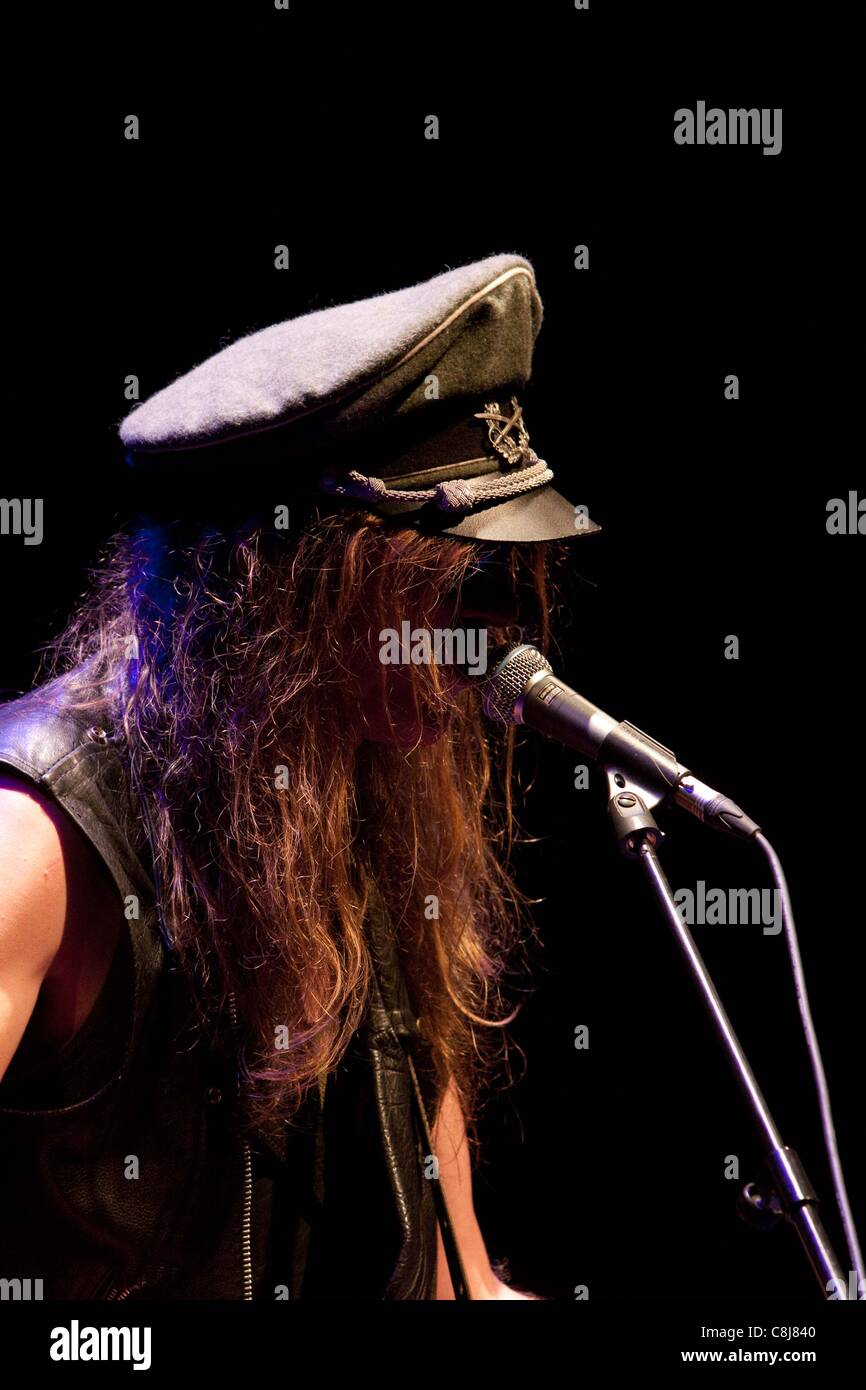 Bracknell, UK, 25/10/2011 : Julian Cope performing in concert at the Wilde Theatre, South Hill Park, Bracknell. - Stock Image