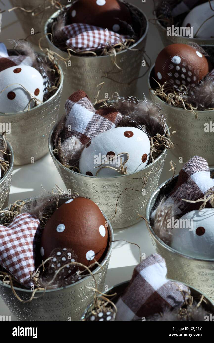 Mug, eggs, colors, feather, spring, feathers, springs, heart, hay, basket, macro, pattern, close-up, physical tones, - Stock Image