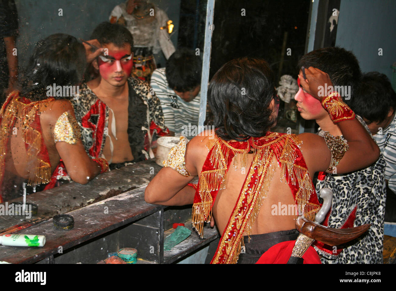 Dance Performers Applying Make-up Backstage Before A Production Of The Hindu Epic 'The Ramayana' - Stock Image