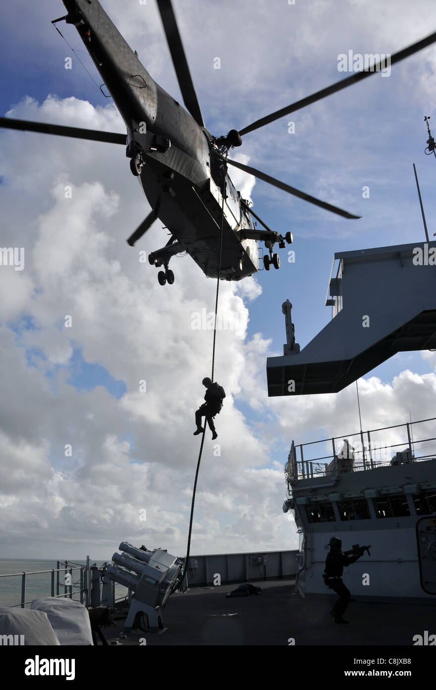 Royal Navy and Royal Marines anti-piracy training - Stock Image