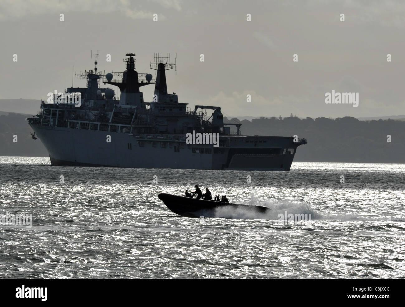 HMS Bulwark (L15) Albion-class landing platform dock, the UK's newest class of amphibious assault warship - Stock Image