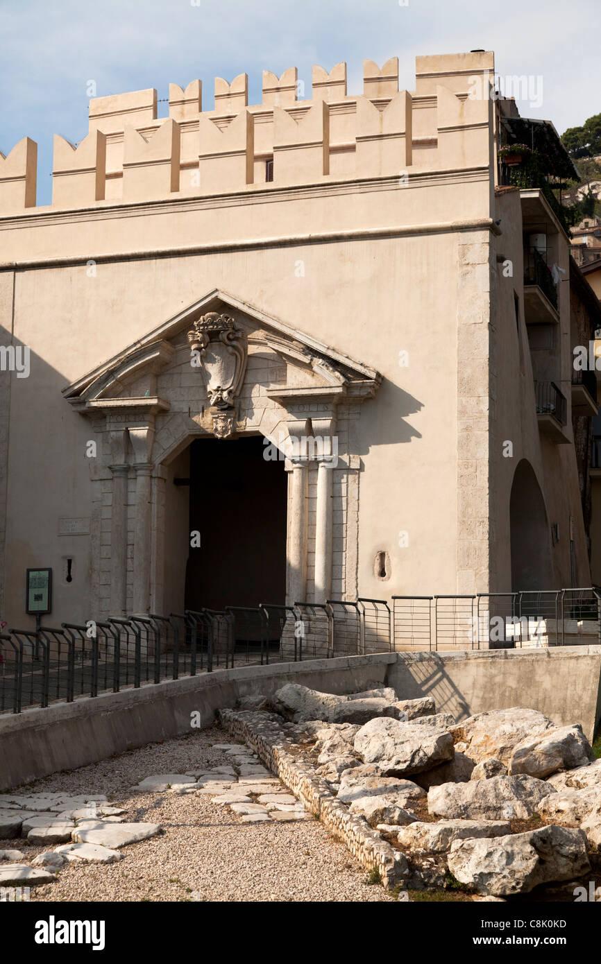 Porta del sole gateway to Palestrina - Stock Image
