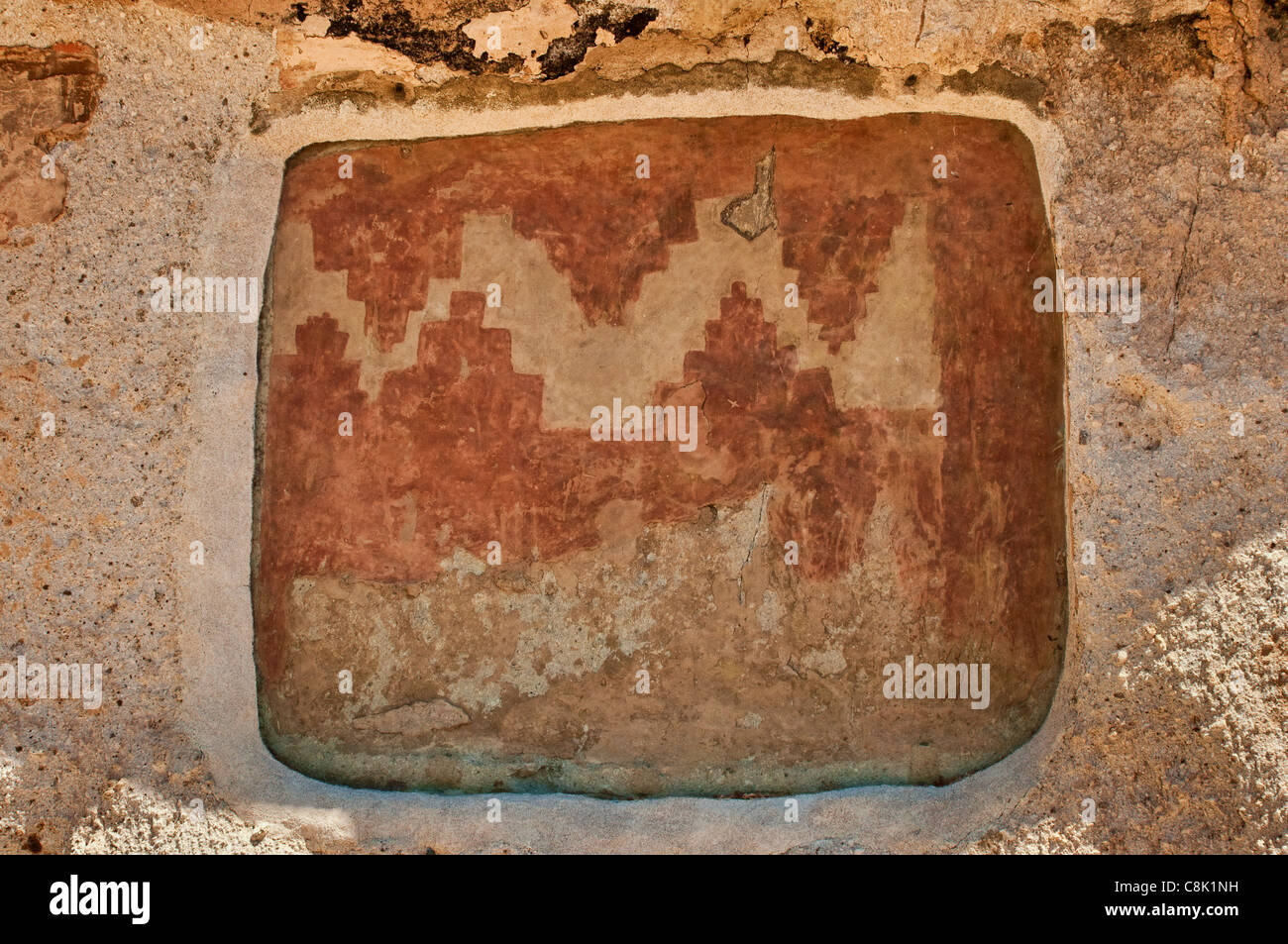 Wall painting at Long House cliff dwellings, built by Anasazi, in Frijoles Canyon, Bandelier National Monument, - Stock Image