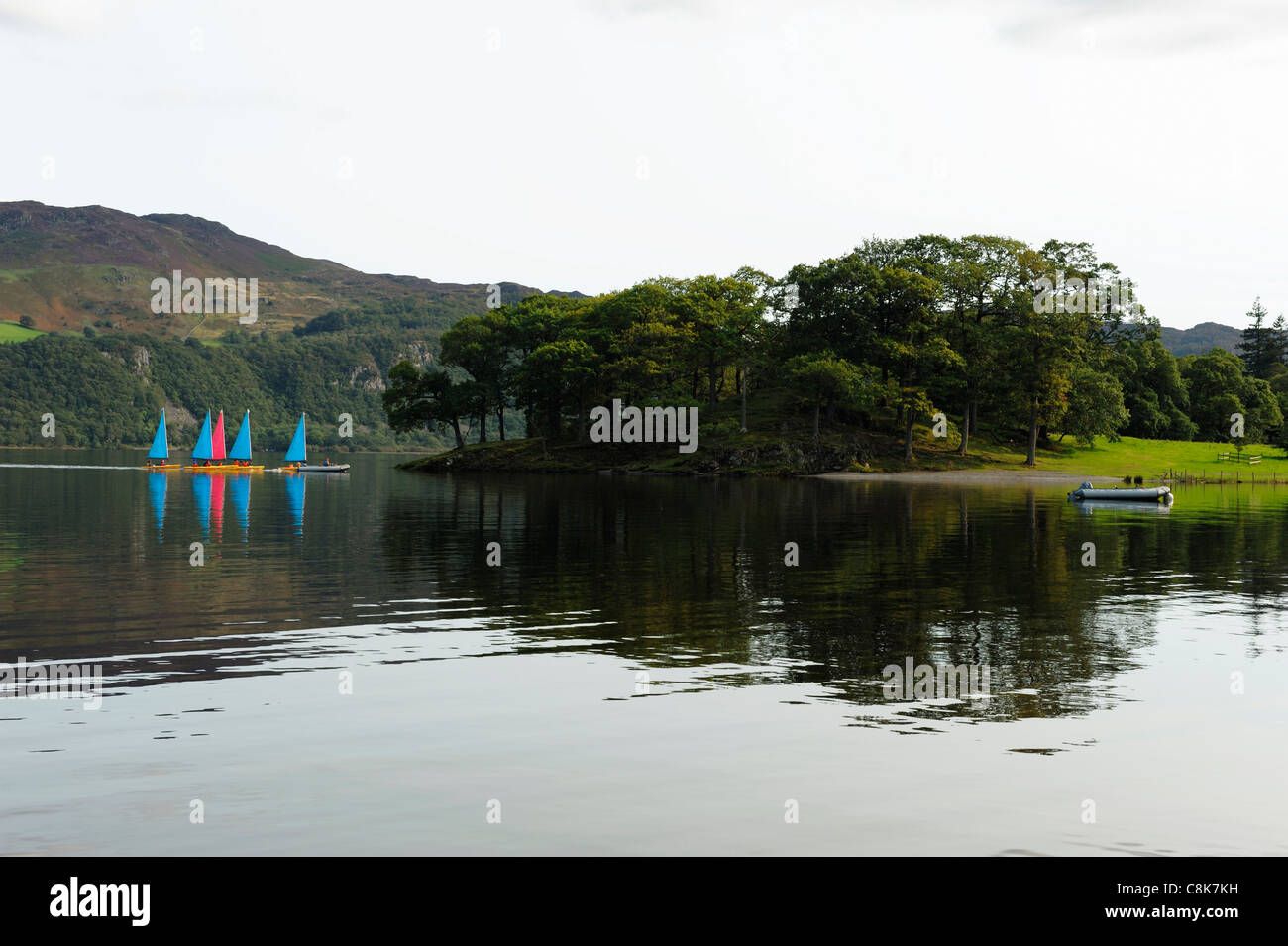 Sailing boats in Otterbield Bay Derwent Water Lake District - Stock Image