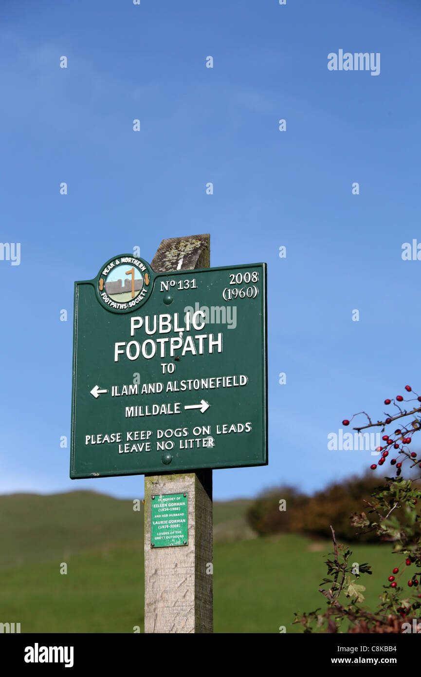 Public Footpath Sign in Dovedale Stock Photo