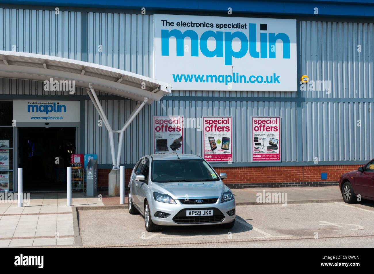 The Maplin electronics warehouse on the Hardwick Road Estate, King's Lynn, Norfolk, England - Stock Image