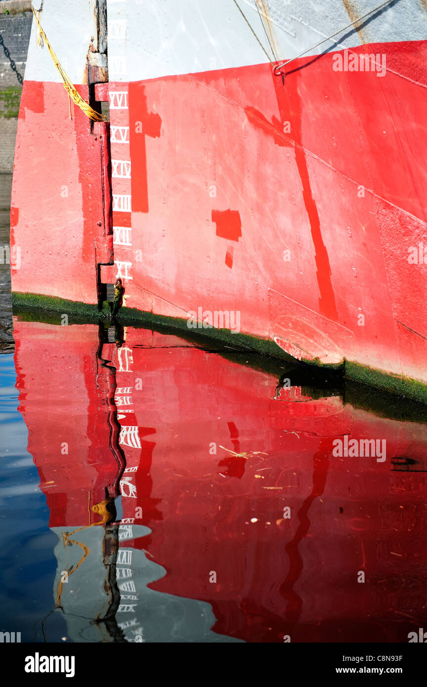Depth gage painted on the hull of the Tall Ship 'Glenlee' which is moored on the River Clyde in Glasgow, - Stock Image