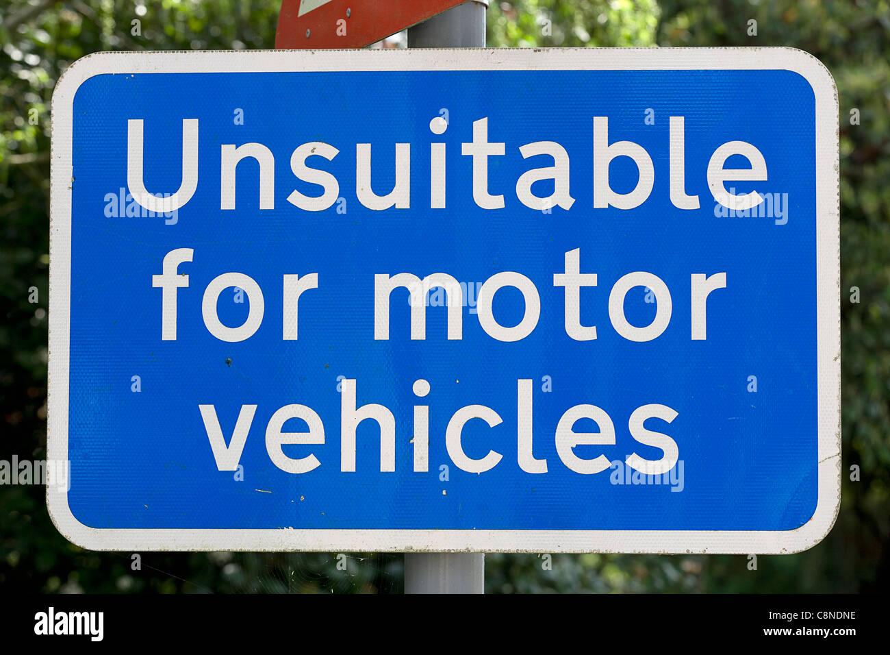 England, Unsuitable for motor vehicles sign - Stock Image