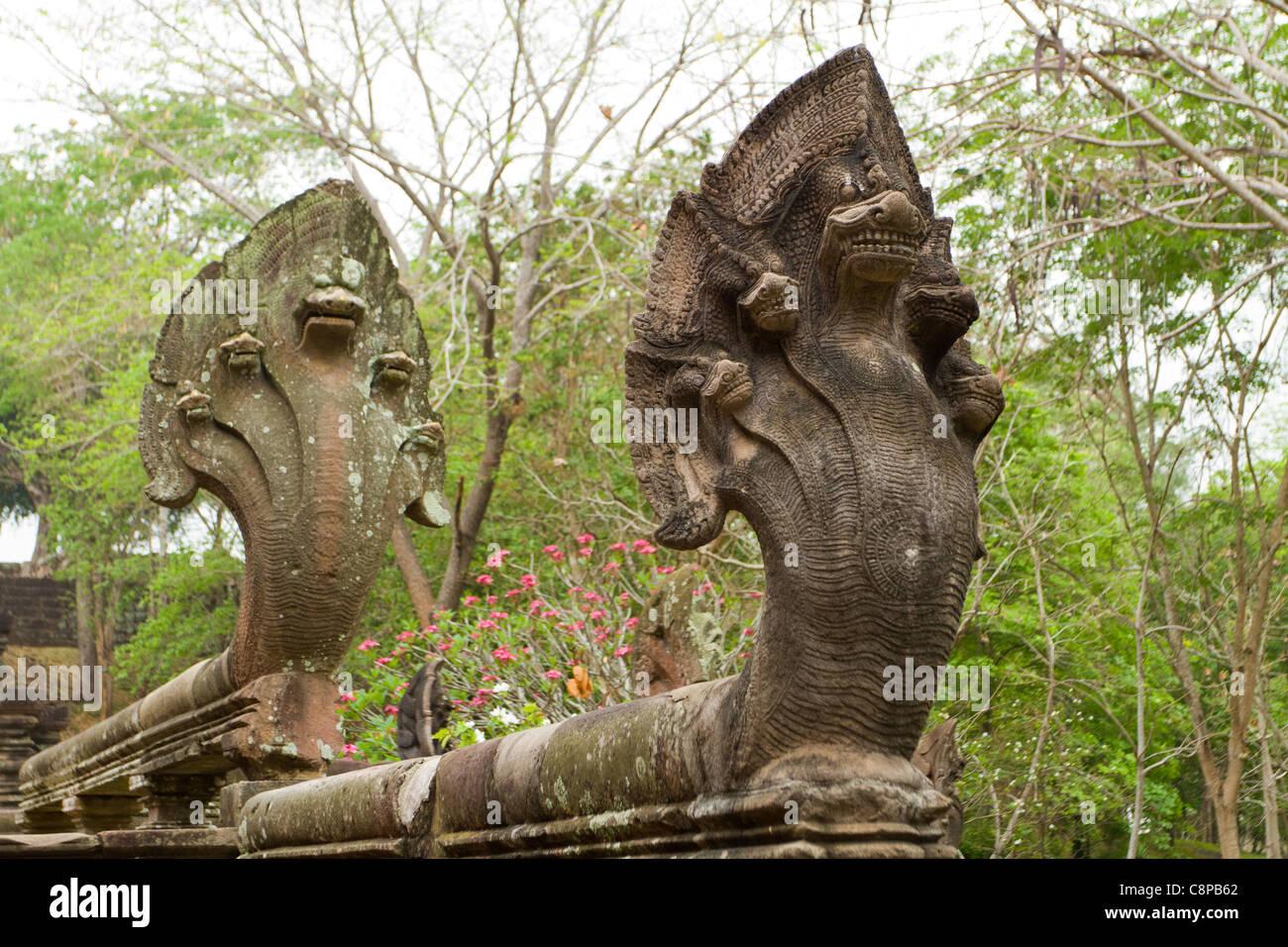 five headed cobra lion guardian statues at prasat hin ... - photo#1