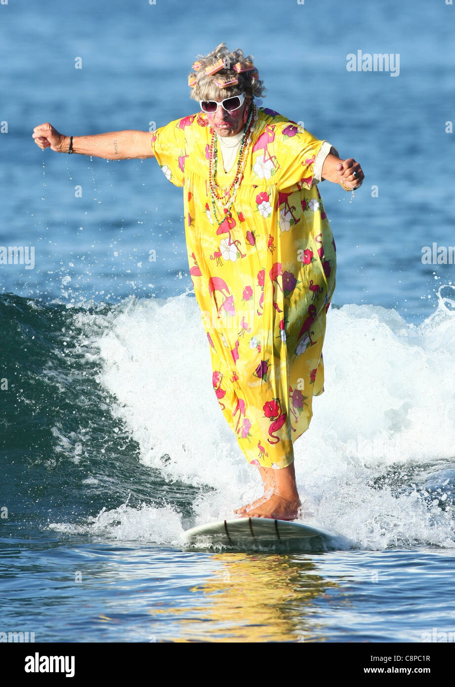 MALE SURFER AS OLD LADY BLACKIE'S HALLOWEEN COSTUME SURF