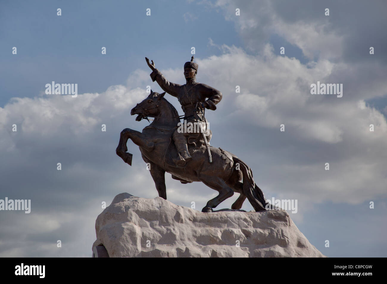 Statue tribute to Damdin Sukhbaatar, a Mongolian hero in the revolution that threw out the Chinese rulers. - Stock Image