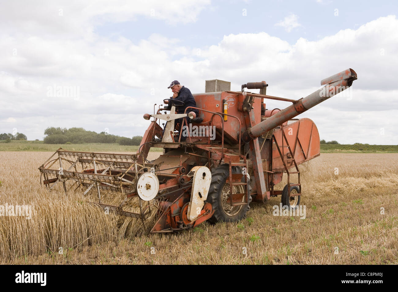 C1960 Allis-Chalmers Gleaner Combine Harvester Stock Photo