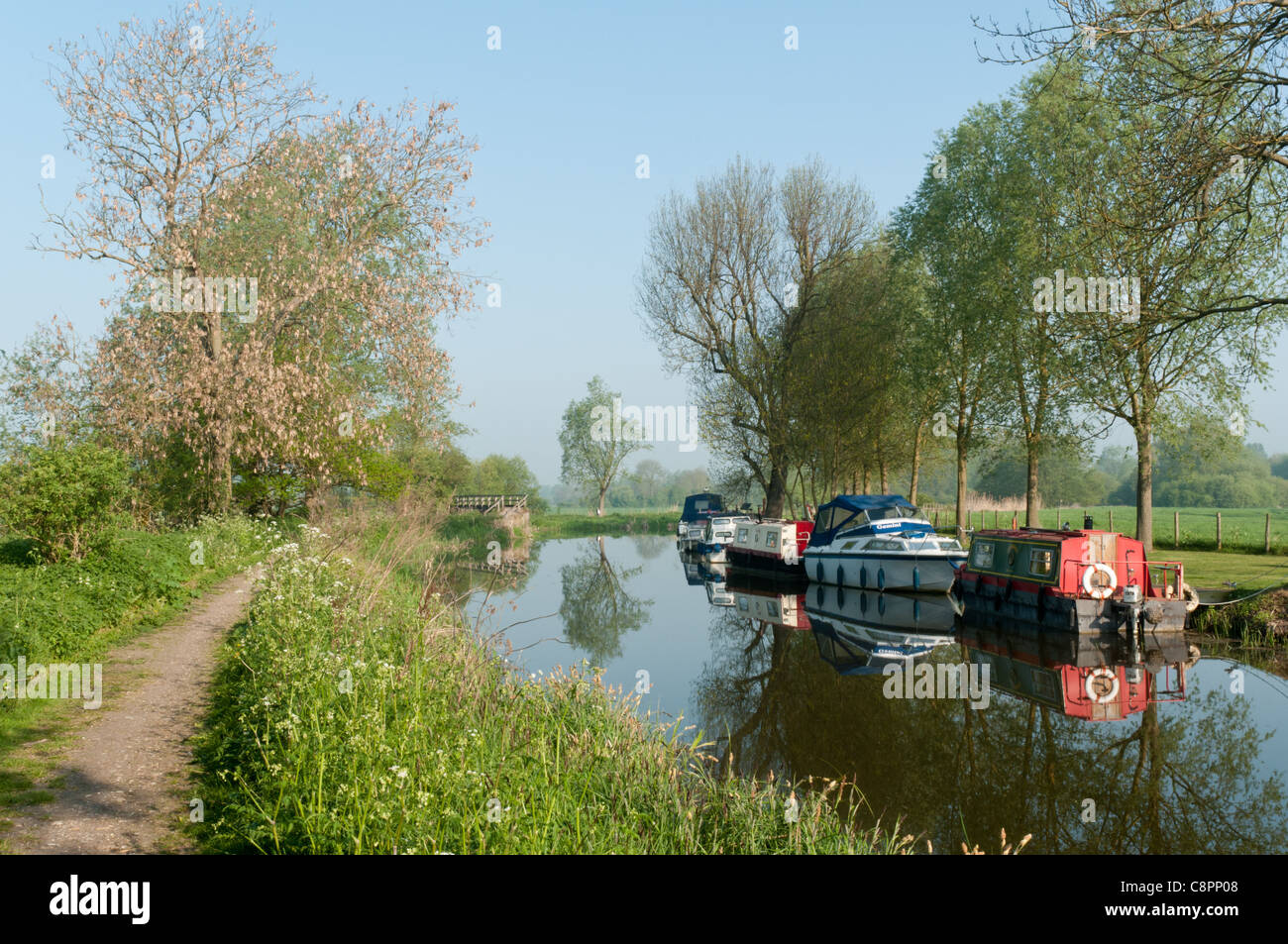 Boats near Hoe Mill Lock on the River Chelmer and Blackwater Navigation. - Stock Image