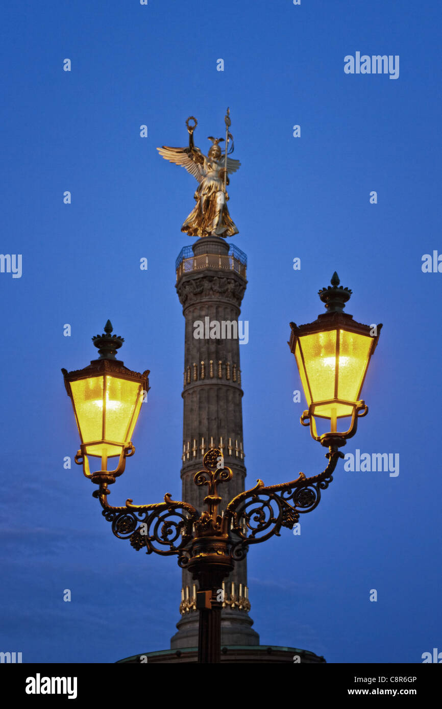 Berlin victory column, laterne , illuminted at twilight  Stock Photo
